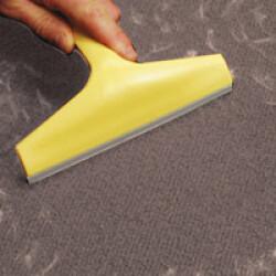 Brosse pour tapis et moquette magnet ramasse poils de chien