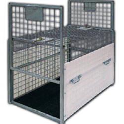 Cage spéciale fourrière pour le transport d'animaux capturés